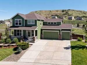 593 Eaglestone Drive-small-001-Welcome Home-666x499-72dpi